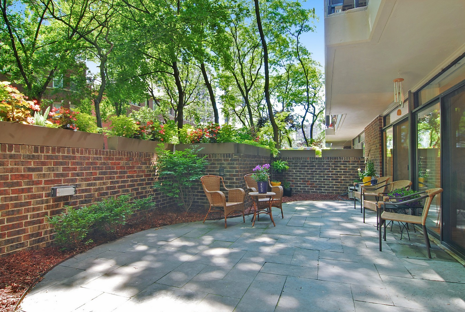 Real Estate Photography - 2600 N Hampden Ct, Chicago, IL, 60614 - Patio
