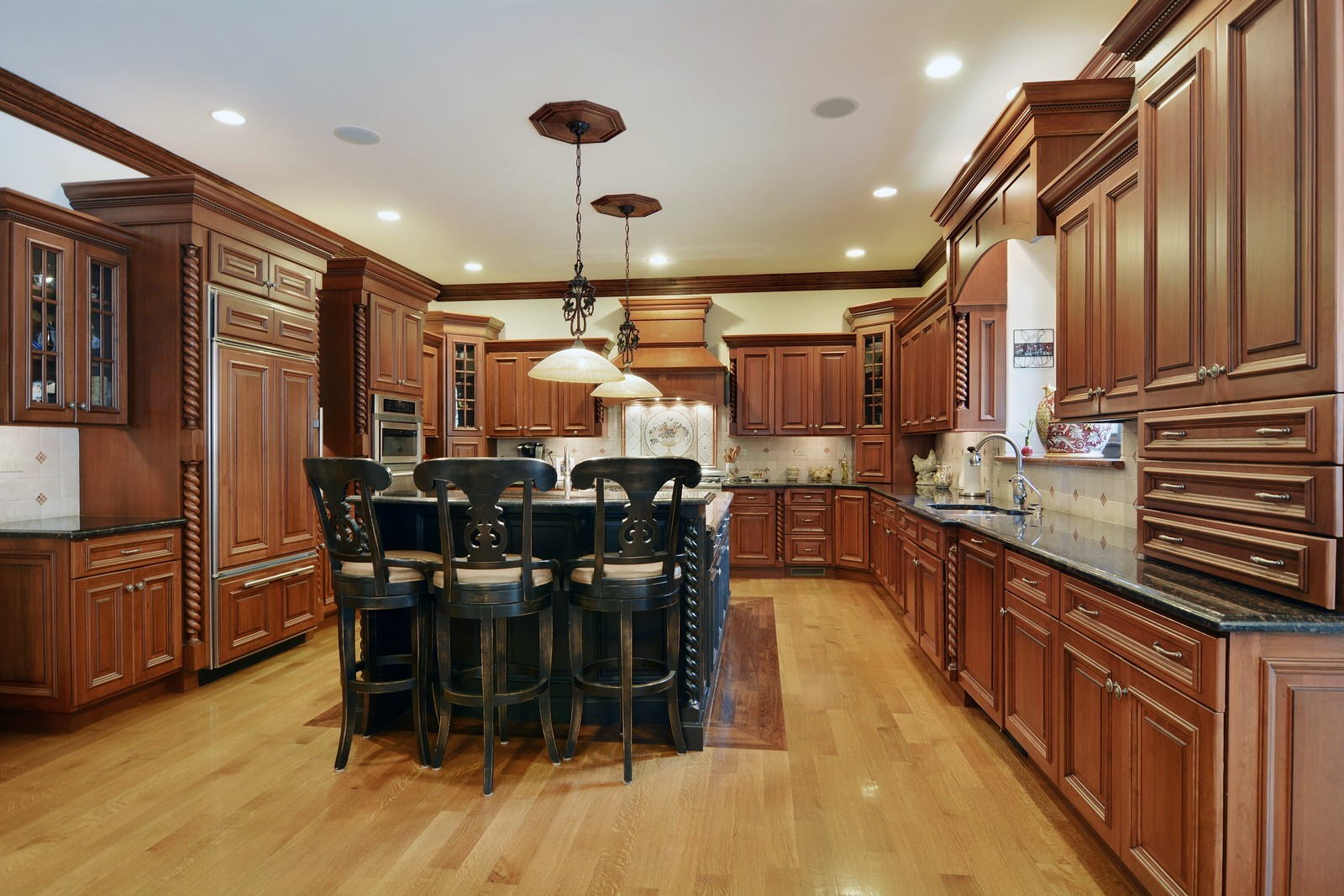 Real Estate Photography - 506 Wexford Ct, St Charles, IL, 60175 - Kitchen