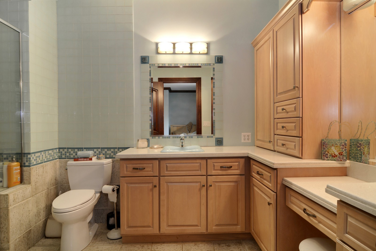 Real Estate Photography - 506 Wexford Ct, St Charles, IL, 60175 - Bathroom