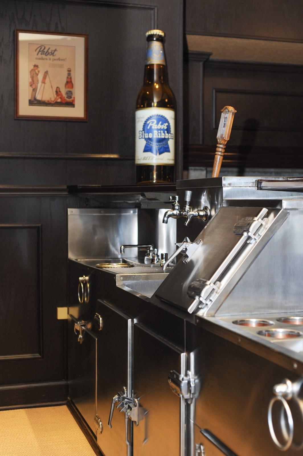 Real Estate Photography - 443 Sheridan Rd, Glencoe, IL, 60022 - Original Bar