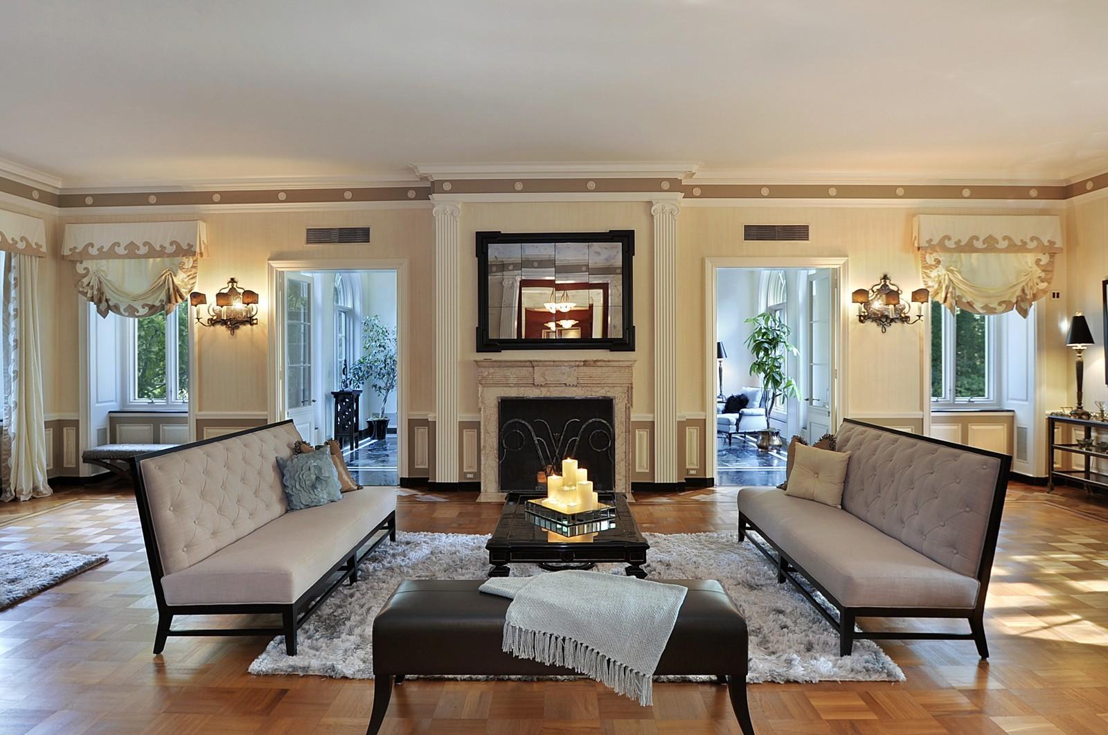 Real Estate Photography - 443 Sheridan Rd, Glencoe, IL, 60022 - Living Room