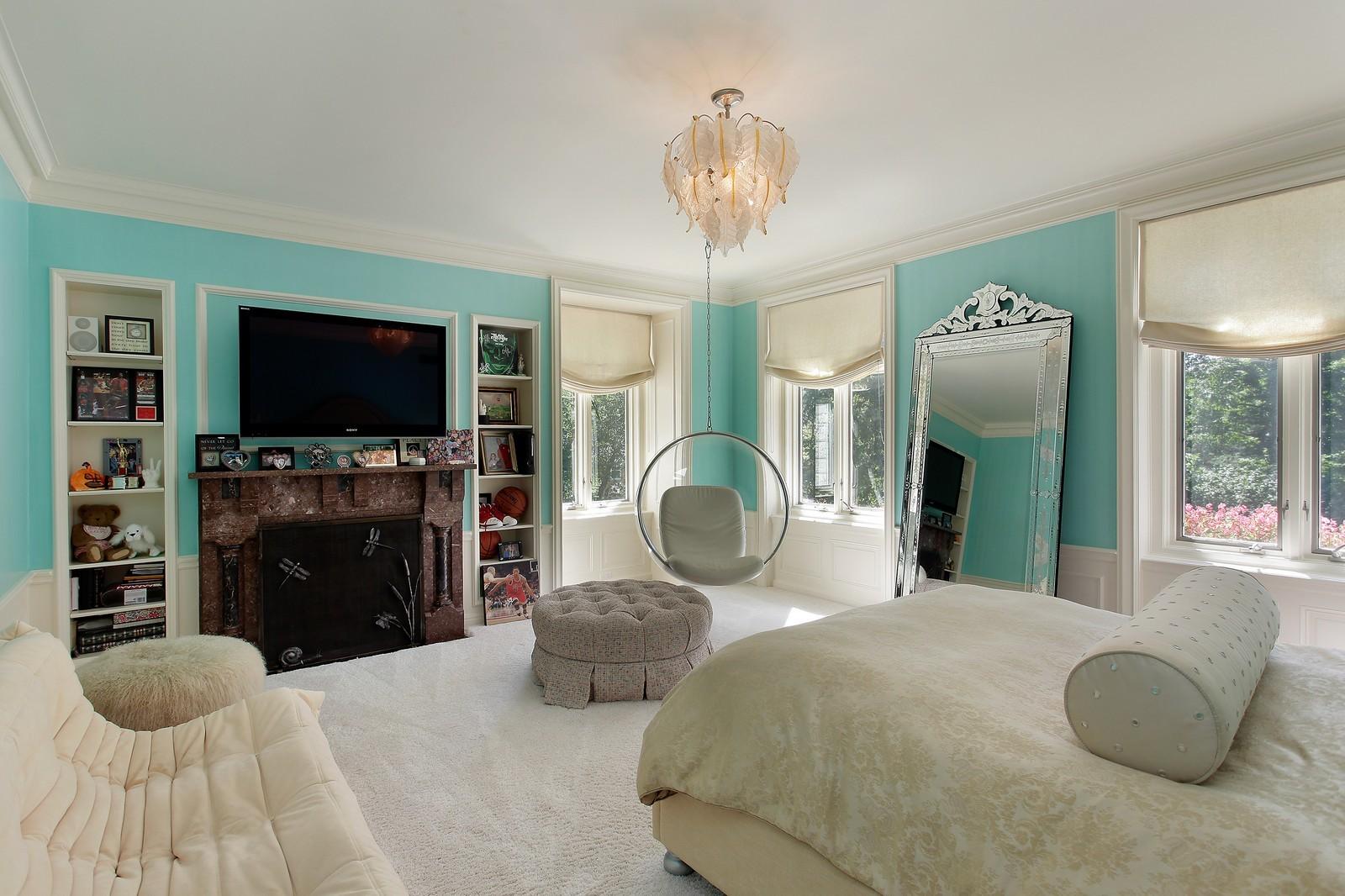 Real Estate Photography - 443 Sheridan Rd, Glencoe, IL, 60022 - 2nd Bedroom