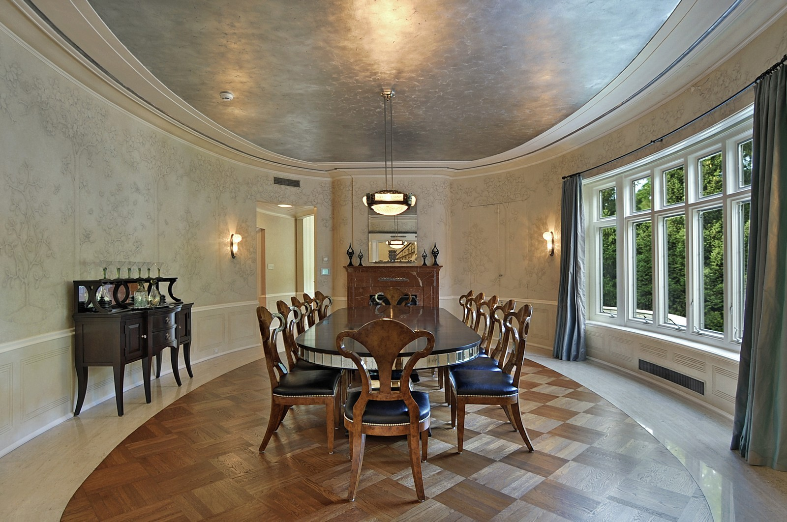 Real Estate Photography - 443 Sheridan Rd, Glencoe, IL, 60022 - Dining Room