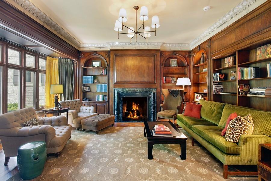 Real Estate Photography - 443 Sheridan Rd, Glencoe, IL, 60022 - Library