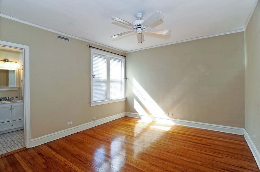 Real Estate Photography - 1115 W Lill, 3W, Chicago, IL, 60614 - Master Bedroom