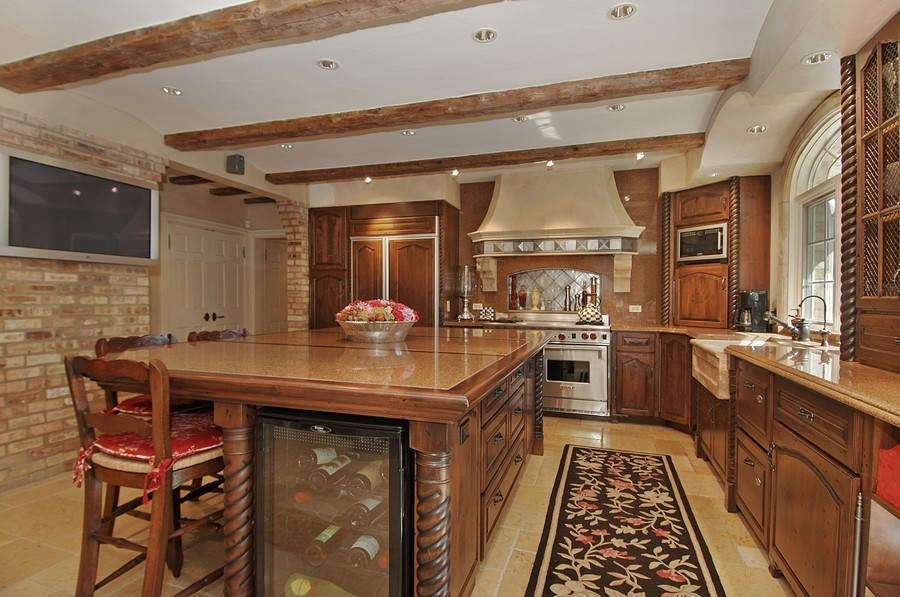 Real Estate Photography - 405 Blackberry, Bull Valley, IL, 60098 - Kitchen
