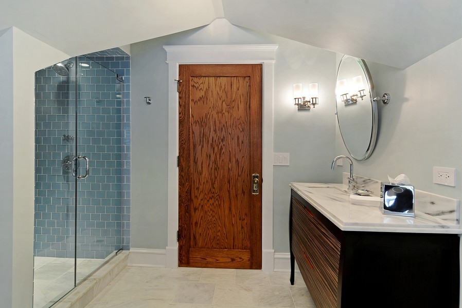 Real Estate Photography - 715 W Hutchinson, Chicago, IL, 60613 - 3rd Bathroom