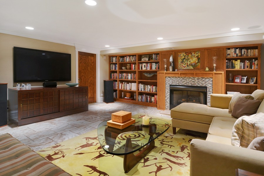 Real Estate Photography - 715 W Hutchinson, Chicago, IL, 60613 - Recreational Room