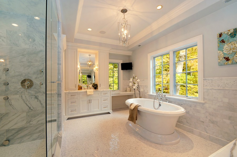 Real Estate Photography - 561 Circle Ln, Lake Forest, IL, 60045 - Master Bathroom