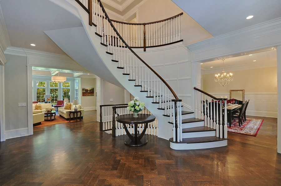 Real Estate Photography - 561 Circle Ln, Lake Forest, IL, 60045 - Foyer