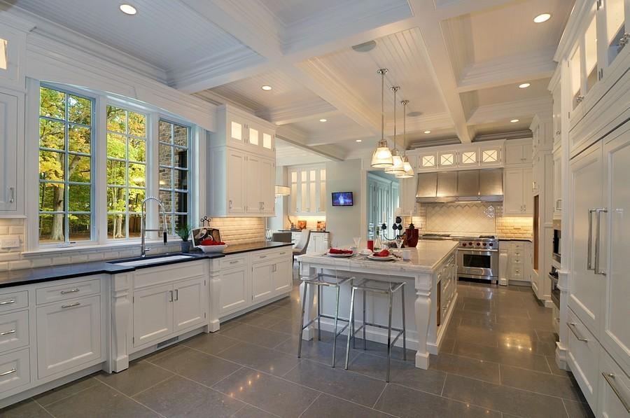 Real Estate Photography - 561 Circle Ln, Lake Forest, IL, 60045 - Kitchen