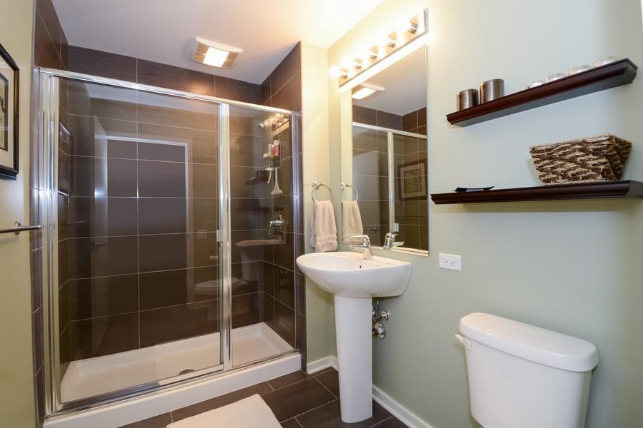 Real Estate Photography - 659 W Randolf, Unit 1014, Chicago, IL, 60661 - Bathroom