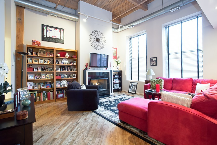 Real Estate Photography - 616 W Fulton, Unit 609, Chicago, IL, 60661 - Living Room