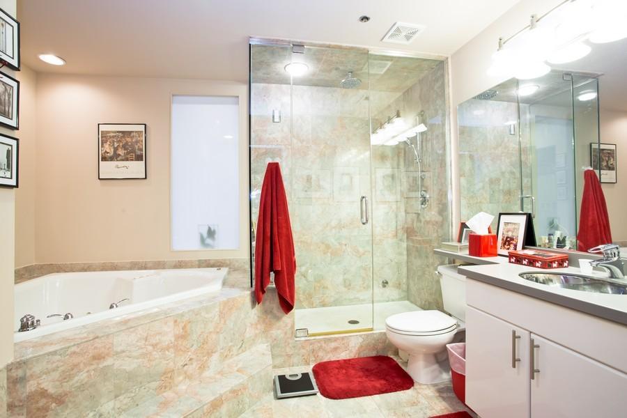 Real Estate Photography - 616 W Fulton, Unit 609, Chicago, IL, 60661 - Bathroom