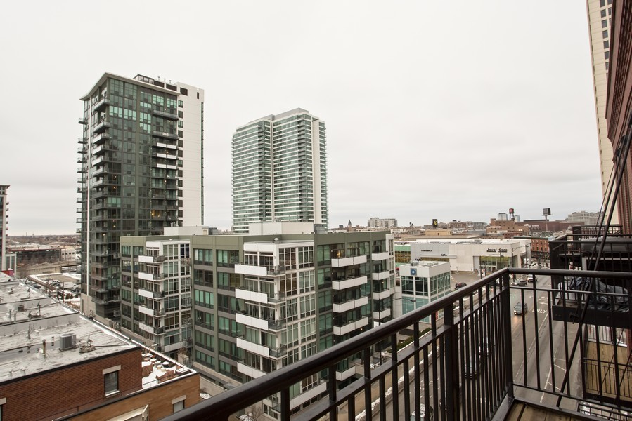 Real Estate Photography - 616 W Fulton, Unit 609, Chicago, IL, 60661 - Balcony