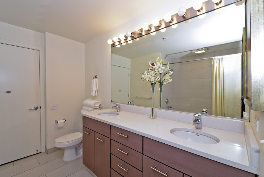 Real Estate Photography - 659 W Randolph, Unit 1415, Chicago, IL, 60661 - Master Bathroom