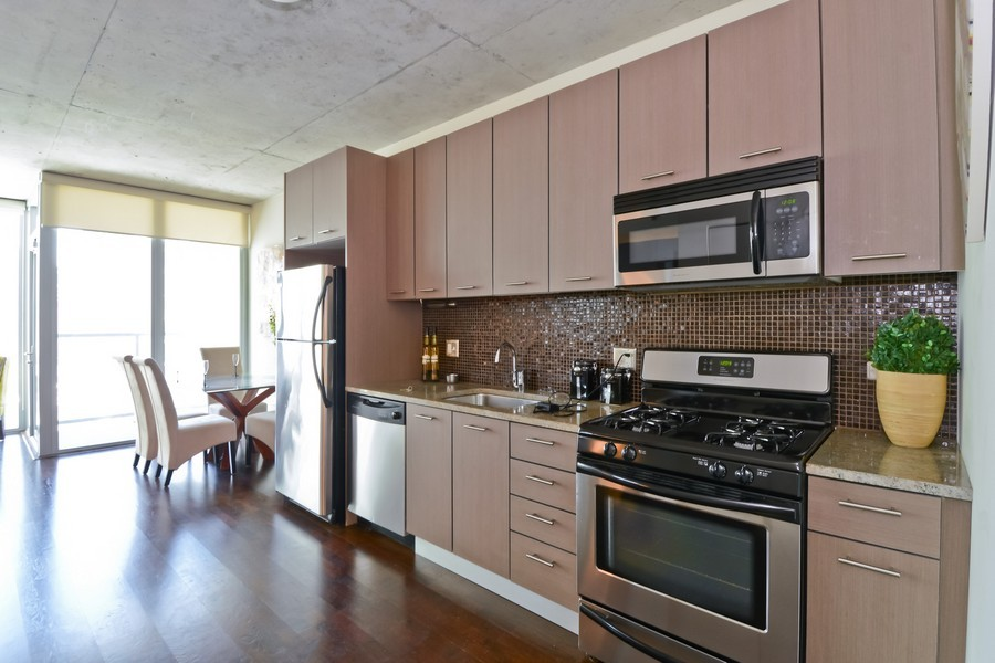 Real Estate Photography - 659 W Randolph, Unit 1415, Chicago, IL, 60661 - Kitchen