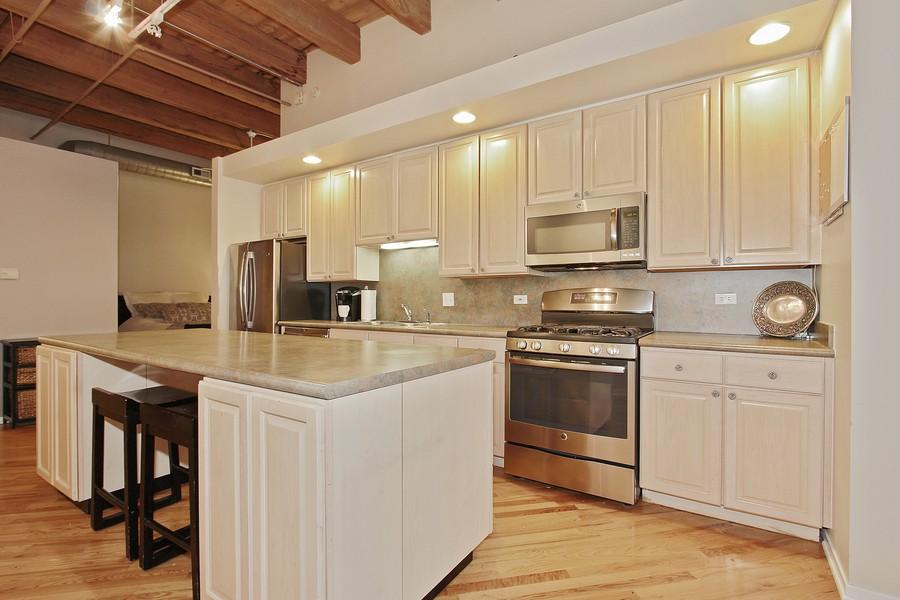 Real Estate Photography - 616 W Fulton St, Unit 219, Chicago, IL, 60661 - Kitchen