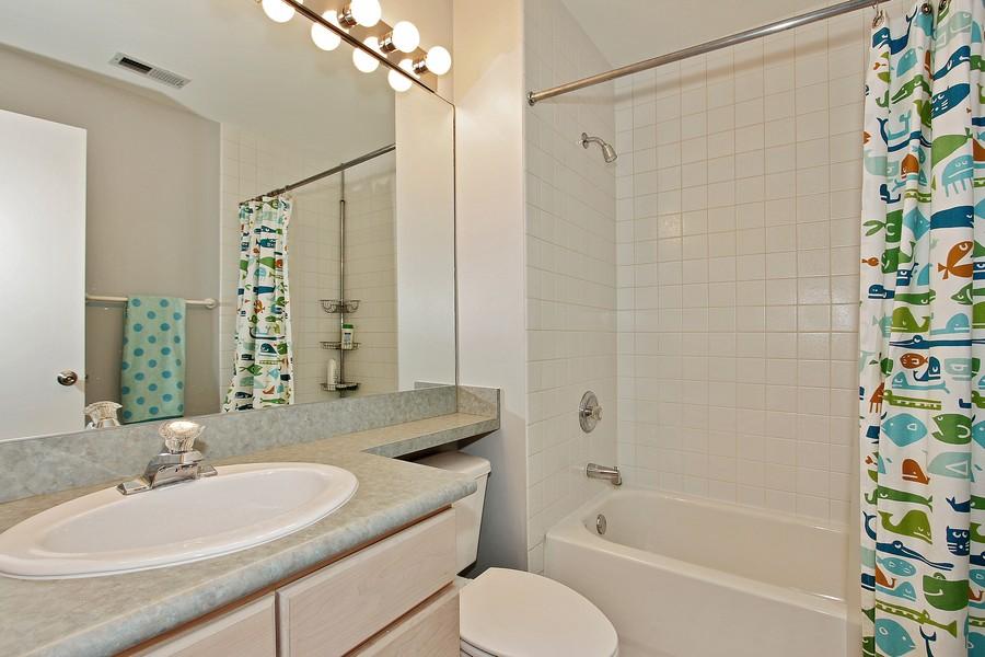 Real Estate Photography - 616 W Fulton St, Unit 219, Chicago, IL, 60661 - Bathroom