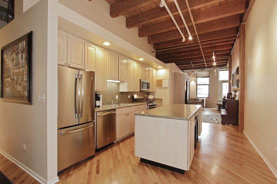 Real Estate Photography - 616 W Fulton St, Unit 219, Chicago, IL, 60661 - Kitchen / Living Room