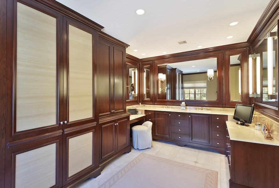 Real Estate Photography - 80 Locust Rd, Winnetka, IL, 60093 - Master Bathroom