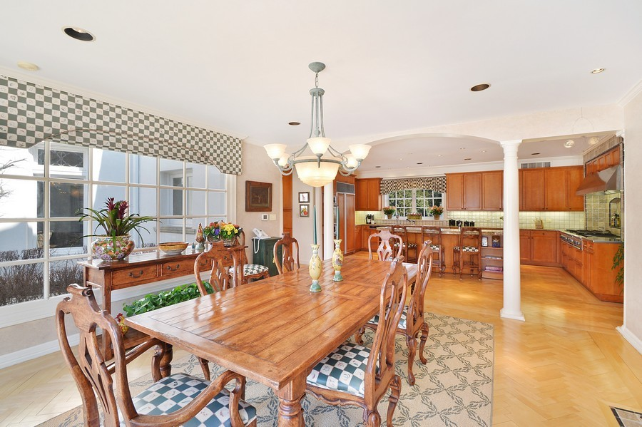 Real Estate Photography - 80 Locust Rd, Winnetka, IL, 60093 - Kitchen / Breakfast Room