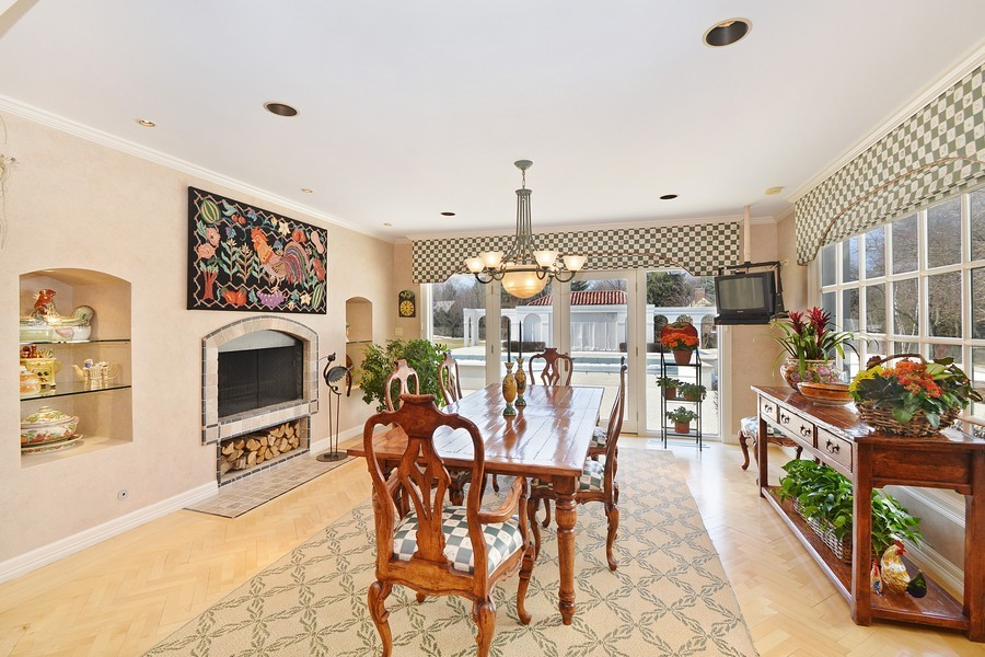Real Estate Photography - 80 Locust Rd, Winnetka, IL, 60093 - Breakfast Room