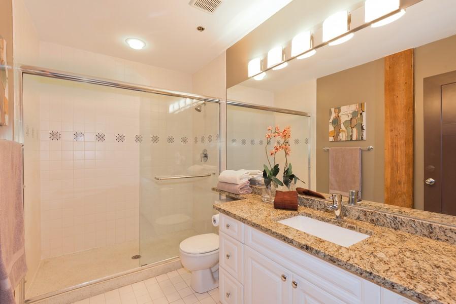 Real Estate Photography - 616 W Fulton, Unit 418, Chicago, IL, 60661 - 2nd Bathroom