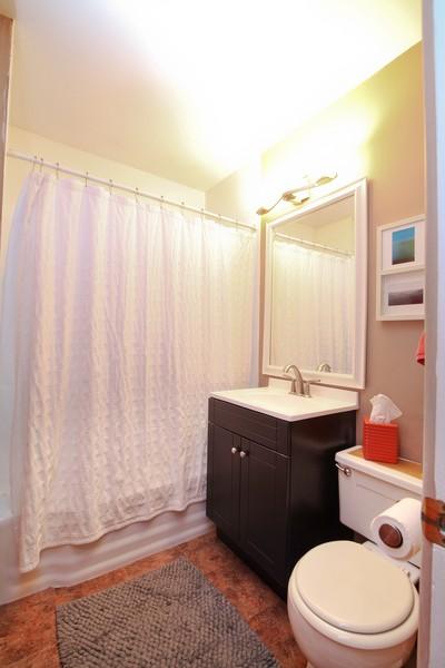Real Estate Photography - 878 Fairfield, Elmhurst, IL, 60126 - Bathroom