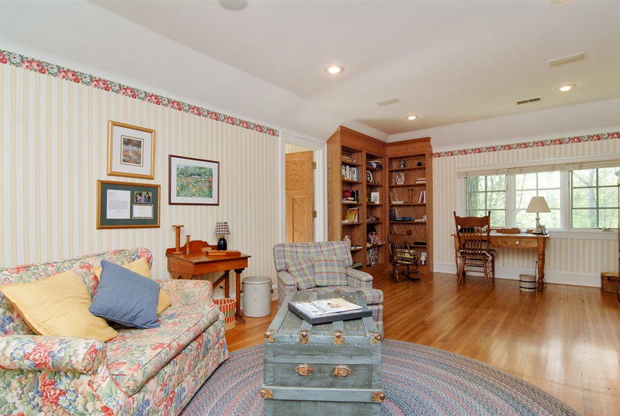Real Estate Photography - 287 Cedar Ave., Highland Park, IL, 60035 - Location 2