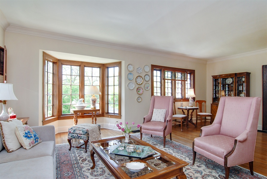 Real Estate Photography - 287 Cedar Ave., Highland Park, IL, 60035 - Living Room