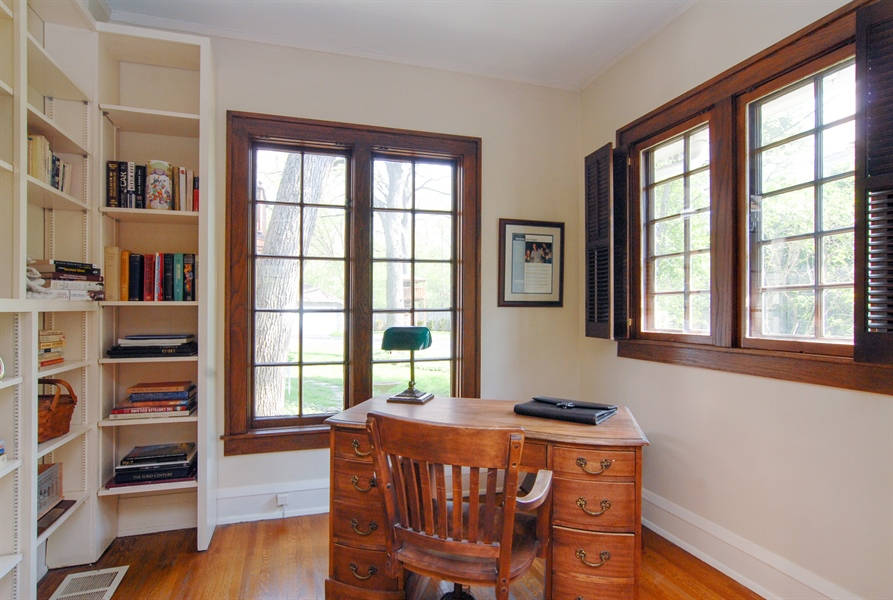 Real Estate Photography - 287 Cedar Ave., Highland Park, IL, 60035 - Office