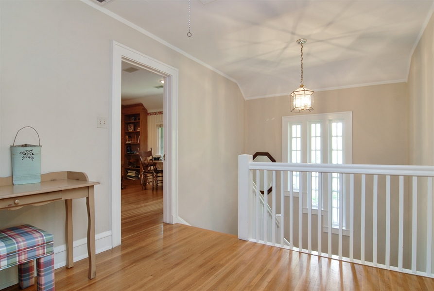Real Estate Photography - 287 Cedar Ave., Highland Park, IL, 60035 - Hallway