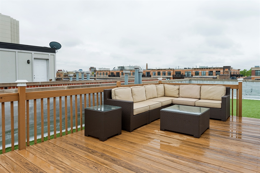Real Estate Photography - 2708 N Lehmann Ct, Unit 4S, Chicago, IL, 60614 - Roof Deck