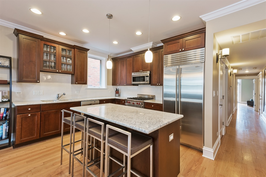Real Estate Photography - 2708 N Lehmann Ct, Unit 4S, Chicago, IL, 60614 - Kitchen