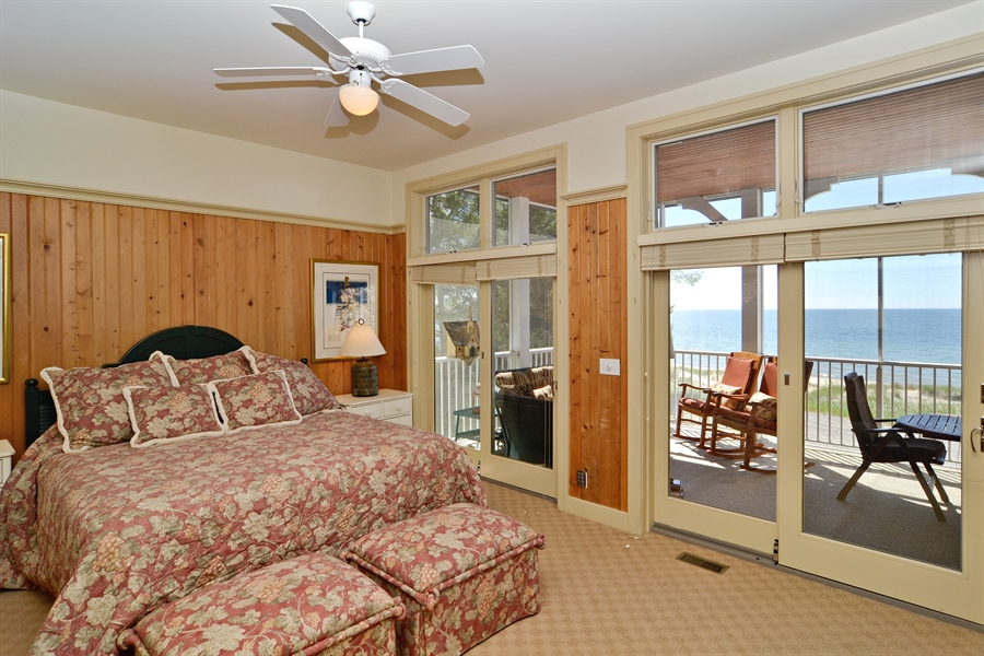 Real Estate Photography - 46064 Blue Star Hwy, Firelane 15, Coloma, MI, 49038 - Guest Bedroom