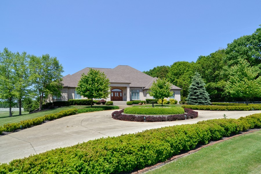Real Estate Photography - 451 E 1000 N, La Porte, IN, 46350 - Front View