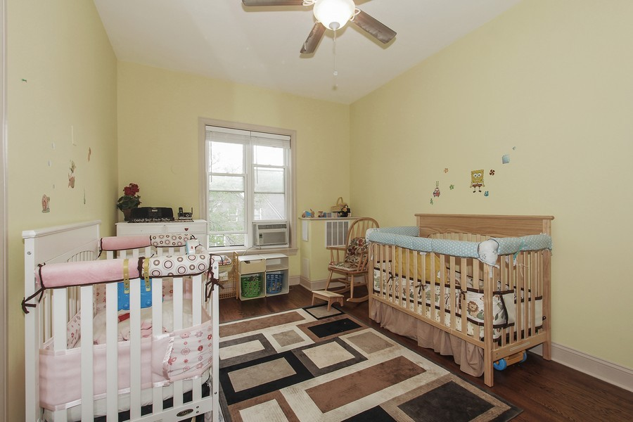 Real Estate Photography - 4822 S Dorchester, Chicago, IL, 60615 - 2nd Bedroom