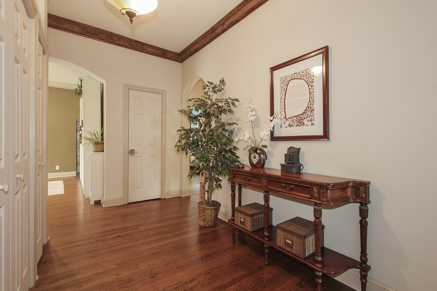 Real Estate Photography - 4822 S Dorchester, Chicago, IL, 60615 - Foyer