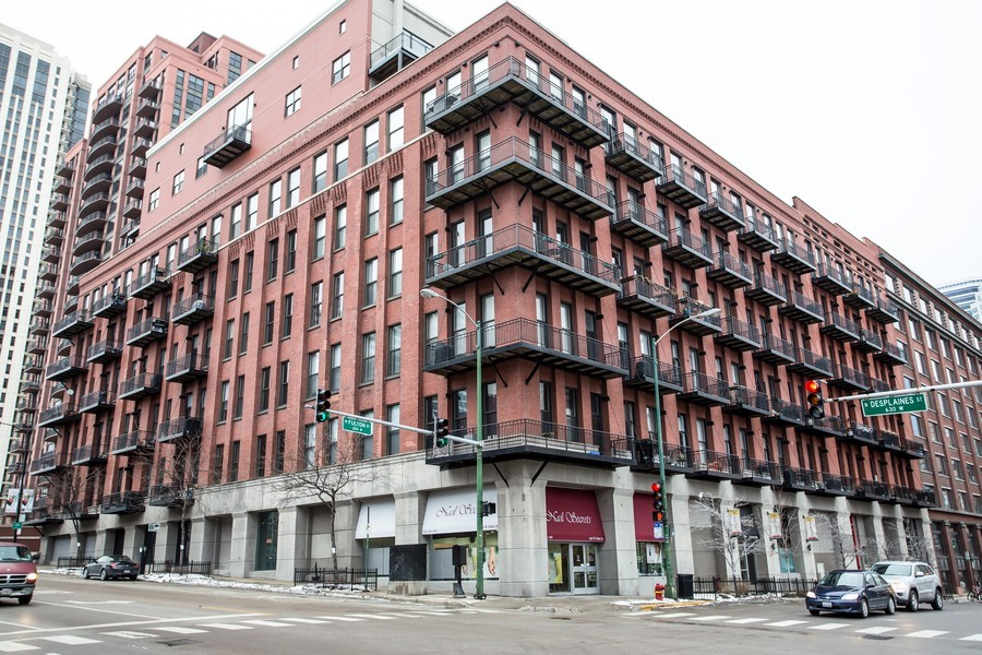 Real Estate Photography - 616 W Fulton, Unit 215, Chicago, IL, 60661 - Front View