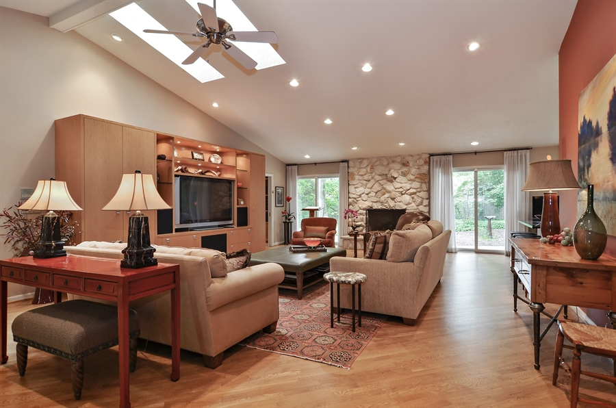 Real Estate Photography - 1060 Ridgewood, Highland Park, IL, 60035 - Living Room