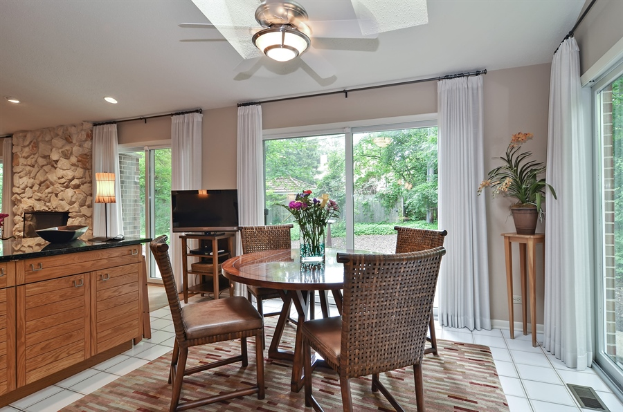 Real Estate Photography - 1060 Ridgewood, Highland Park, IL, 60035 - Breakfast Room