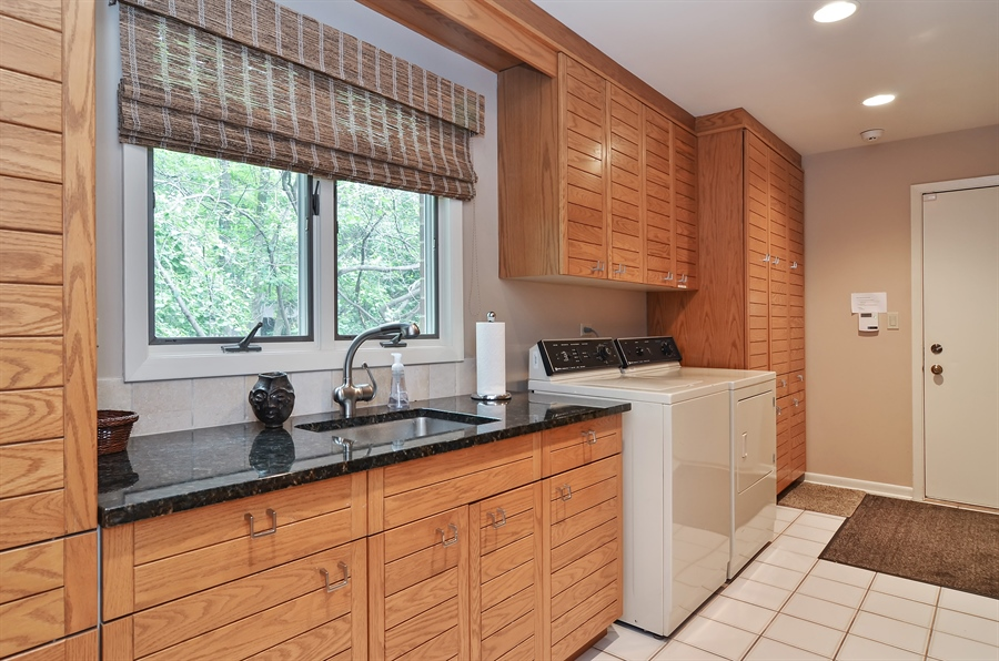 Real Estate Photography - 1060 Ridgewood, Highland Park, IL, 60035 - Laundry Room