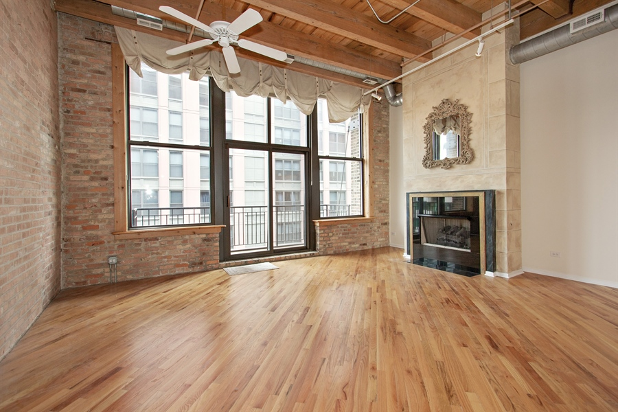 Real Estate Photography - 616 W Fulton Market, Unit 406, Chicago, IL, 60661 - Living Room