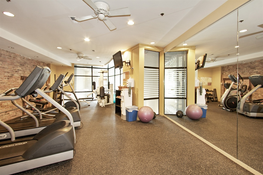 Real Estate Photography - 616 W Fulton Market, Unit 406, Chicago, IL, 60661 - Fitness Room