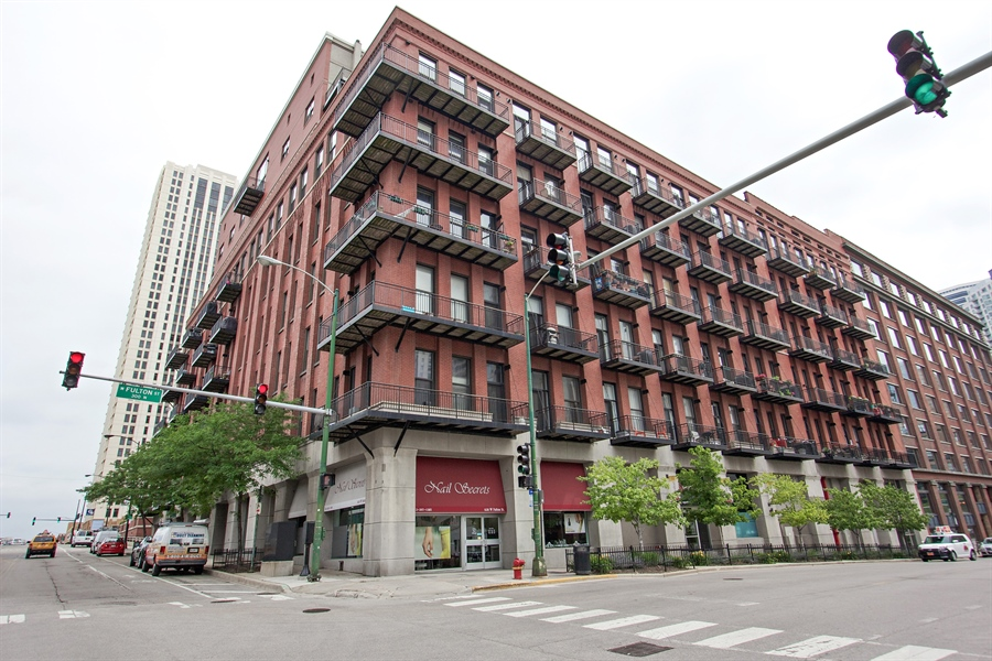 Real Estate Photography - 616 W Fulton Market, Unit 406, Chicago, IL, 60661 - Front View