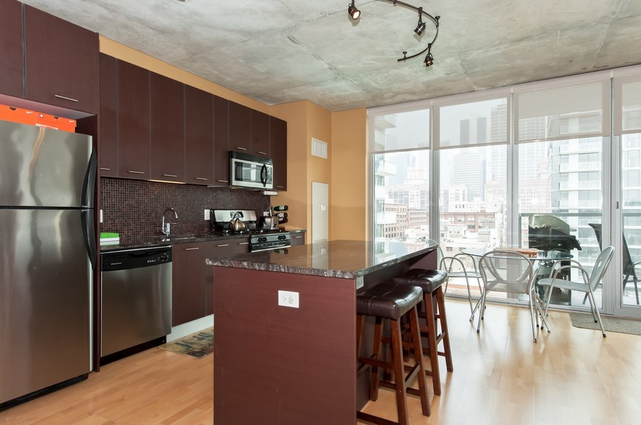 Real Estate Photography - 659 Randolph St, Unit 814, Chicago, IL, 60661 - Kitchen
