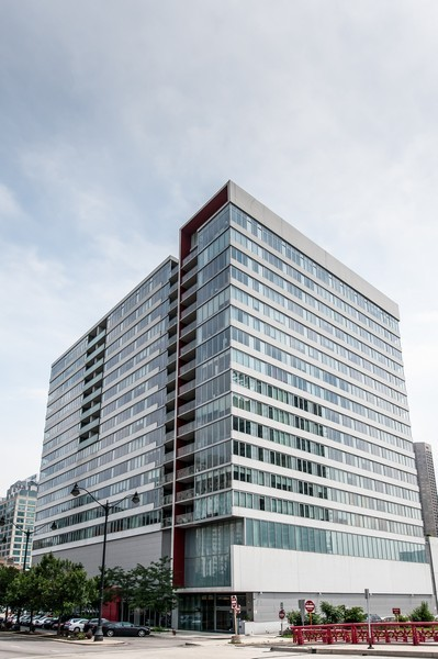 Real Estate Photography - 659 Randolph St, Unit 814, Chicago, IL, 60661 - Front View