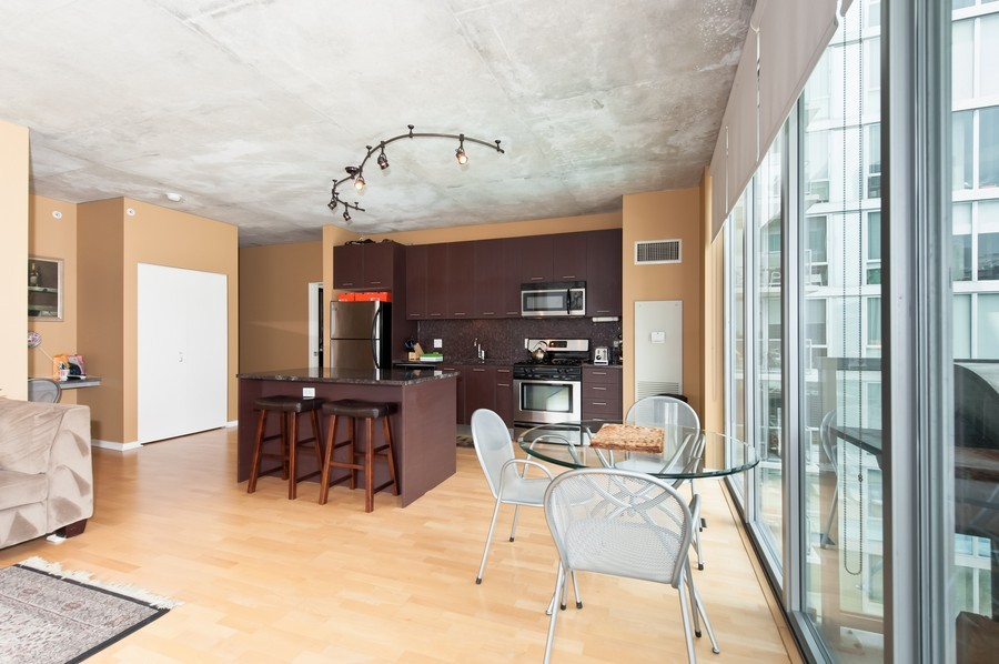 Real Estate Photography - 659 Randolph St, Unit 814, Chicago, IL, 60661 - Kitchen / Dining Room