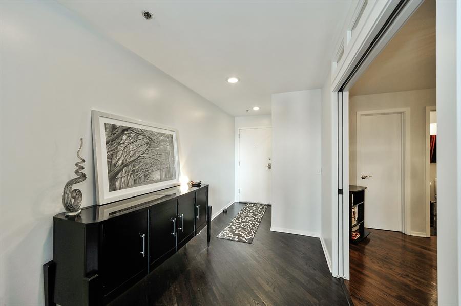 Real Estate Photography - 616 W Fulton, Unit 706, Chicago, IL, 60611 - Foyer